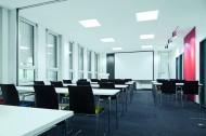 Trilux Siella LED - Jetzt auch für die normgerechte Beleutung von Büros verfügbar